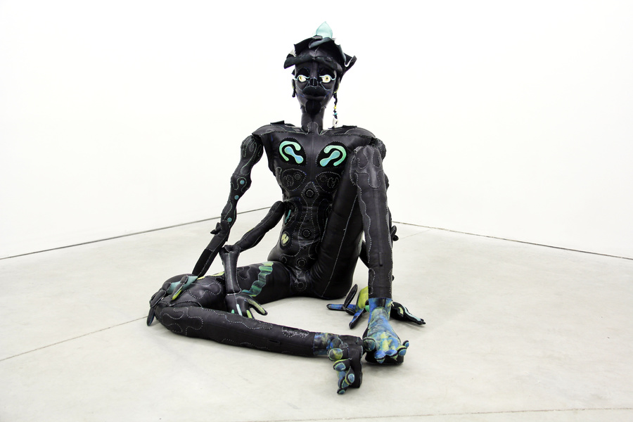 alien sculpture fabric tau lewis